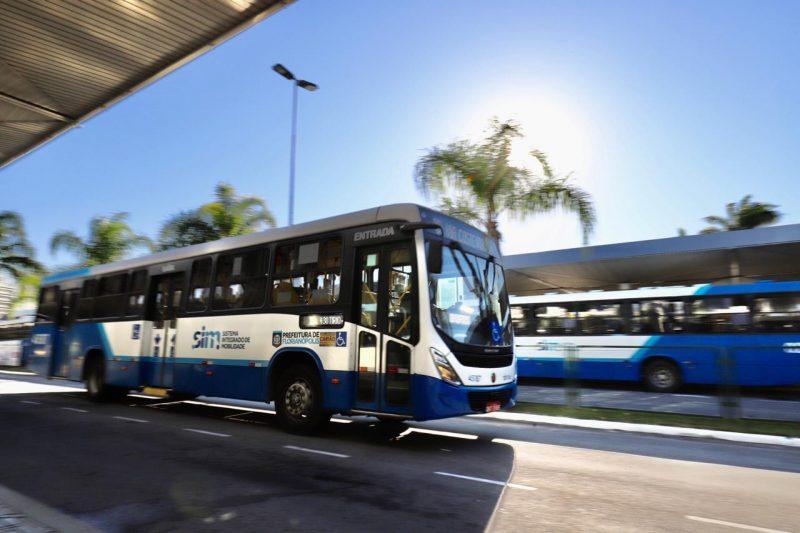 Ônibus funcionam com horário de domingo – Foto: PMF/Divulgação/ND