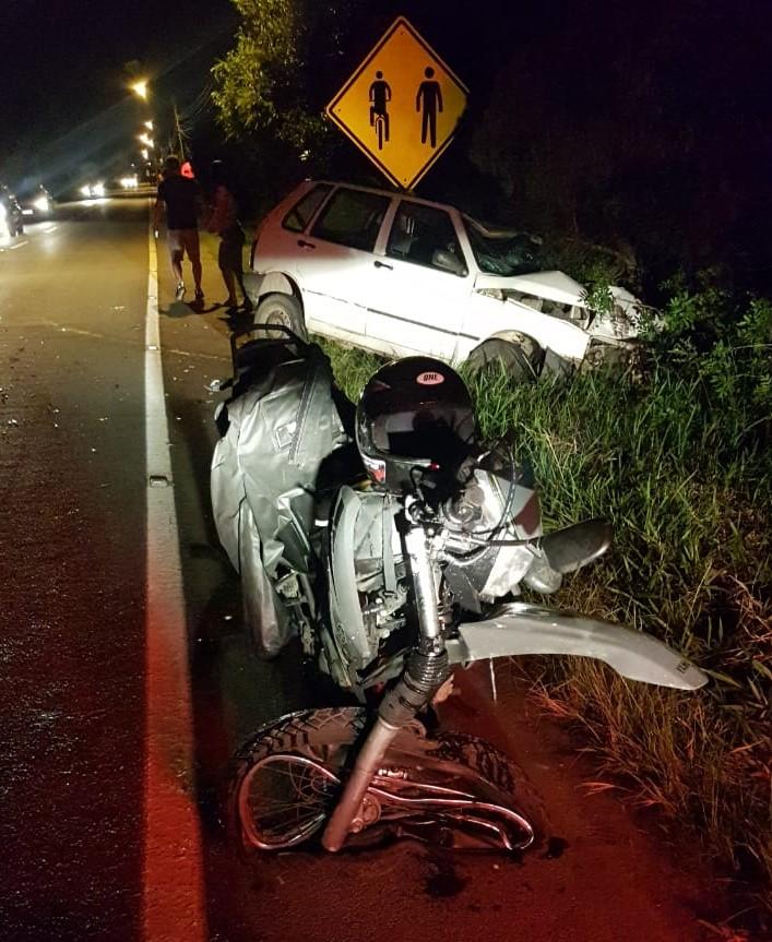 O motociclista teve ferimentos graves e traumatismo craniano. - PMRv/Divulgação/ND