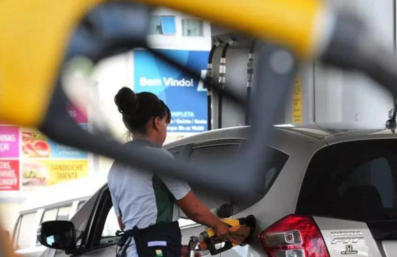 O valor cobrado nas refinarias da Petrobras é diferente do repassado para o consumidor – Foto: Andre Borges/Esp. Metrópoles