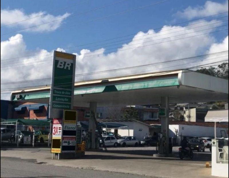 Posto de combustíveis em Brusque foi alvo de assalto na manhã desta segunda-feira (8) em Brusque – Foto: Reprodução/Google