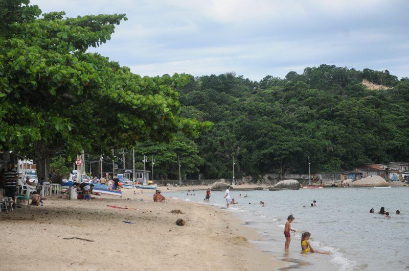 Praia da Tapera é usada para o lazer da comunidade e após a revitalização contará com passarela e deck de acesso – Foto: Leo Munhoz/ND