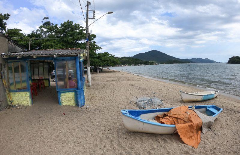 Pescadores que vivem na Tapera representam a história do local – Foto: Leo Munhoz/ND