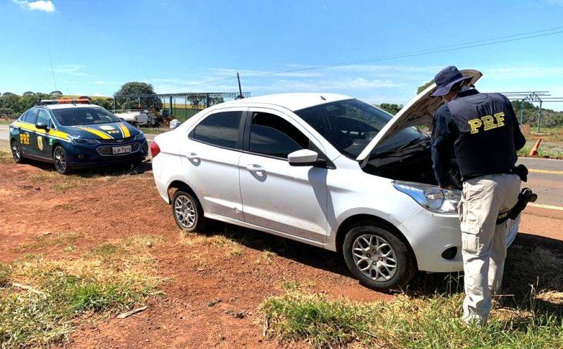 Veículo foi recuperado na BR-163, em Dionísio Cerqueira – Foto: PRF/Divulgação/ND
