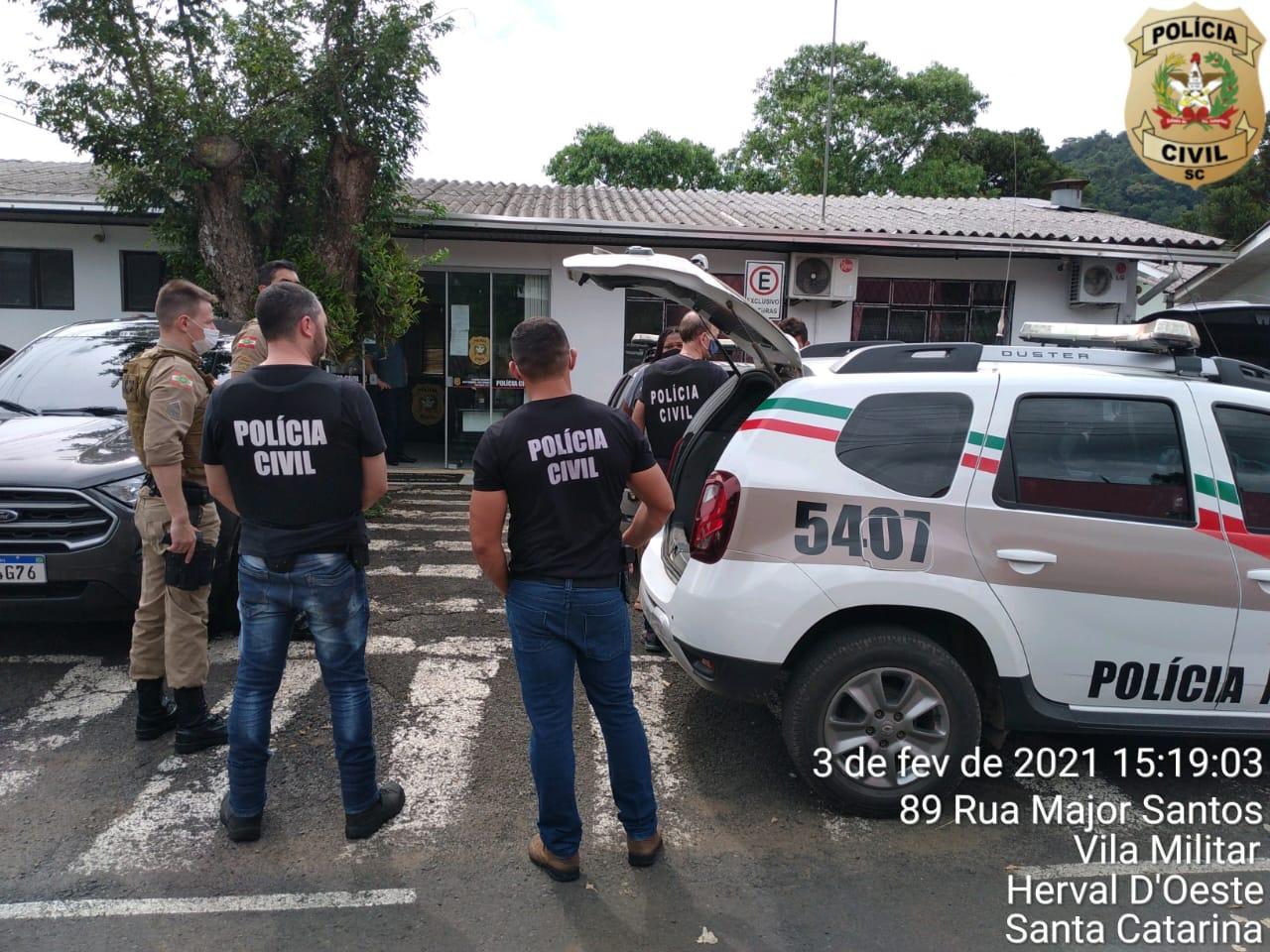 Casal foi pego em janeiro com droga e dinheiro - PC/Divulgação/ND