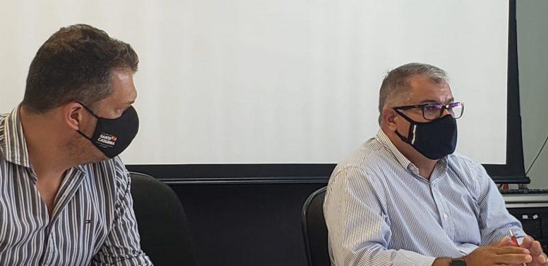 Representantes da SES, no encontro com trabalhadores do SAMU e OZZ Saúde