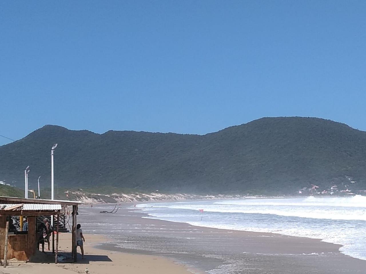Vento persistente vai durar todo o sábado, com rajadas que podem chegar a 50 km/h - Andréa da Luz/Divulgação/ND