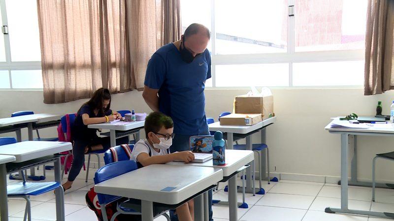 Cerca de 80% dos pais optaram pelo retorno às aulas presenciais – Foto: Elias Gotaski/NDTV