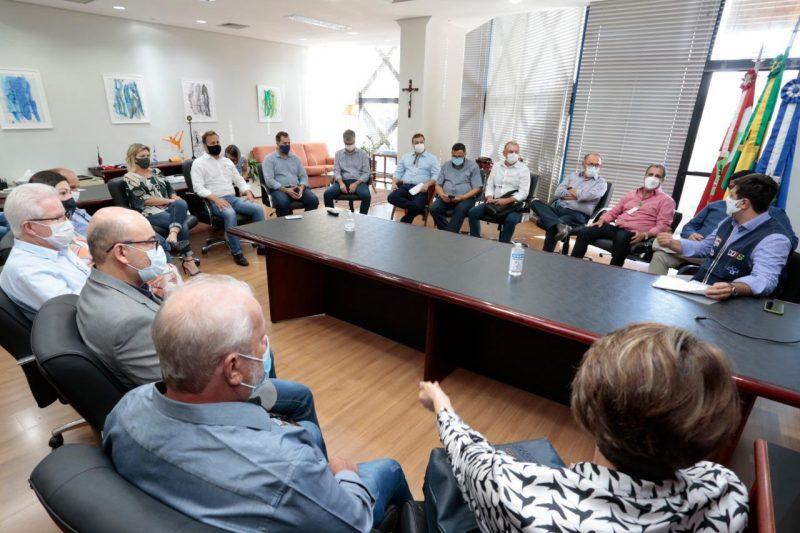 Reunião definiu estratégias para o combate no avanço da pandemia na região – Foto: Prefeitura de Joinville/Divulgação