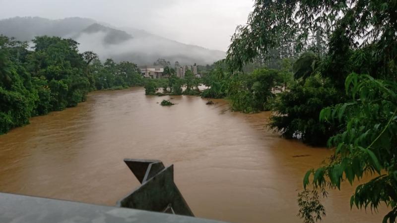 Com acumulado de chuva de 102 mm, nível do rio Itapocuzinho, em Schroeder, é alto – Foto: Gabriel Junior/Rádio Schroeder 87,5 FM