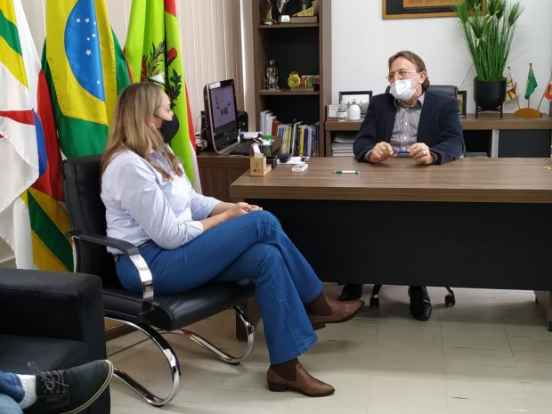 Vice-governadora Daniela Reinehr conseguiu a entrega dos respiradores em 24 horas. – Foto: Sicilia Vechi/Divulgação/ND⠀