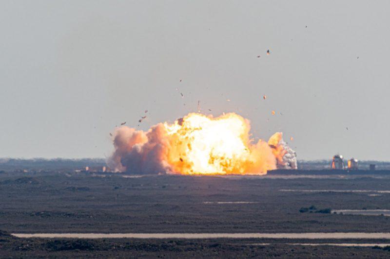 Foguete Starship explode em pouso