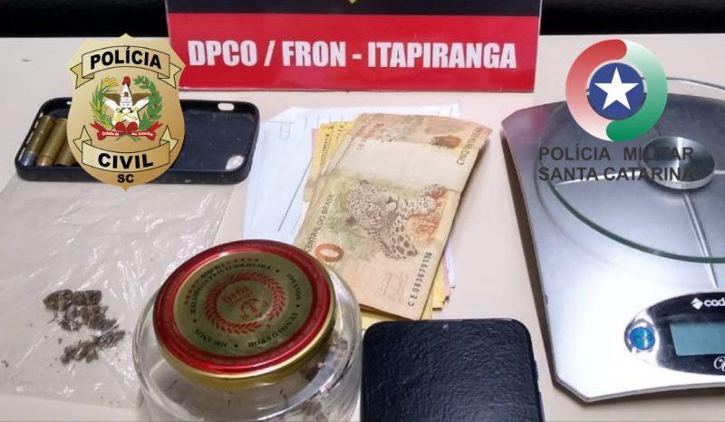 Na casa dos suspeitos foram encontrados e apreendidos frações de maconha, balança de precisão, dinheiro, munições calibre 38 e aparelhos celulares – Foto: Polícia Civil/ND