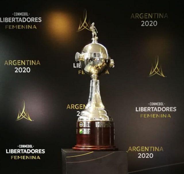 O cobiçado troféu da Libertadores 2020 do futebol feminino – Foto: Comenbol/divugação