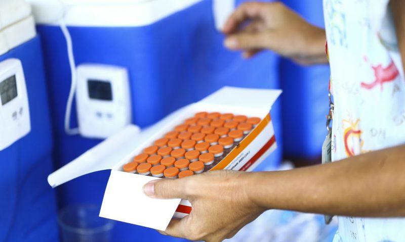 Vereadores aprovam entrada de Blumenau em consórcio para compra de vacinas. – Foto: Marcelo Camargo/Agência Brasil/ND