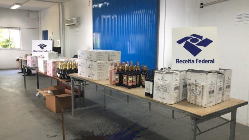 Vinhos argentinos foram apreendidos na Capital catarinense nesta quarta (10) – Foto: Receita Federal/Divulgação/ND