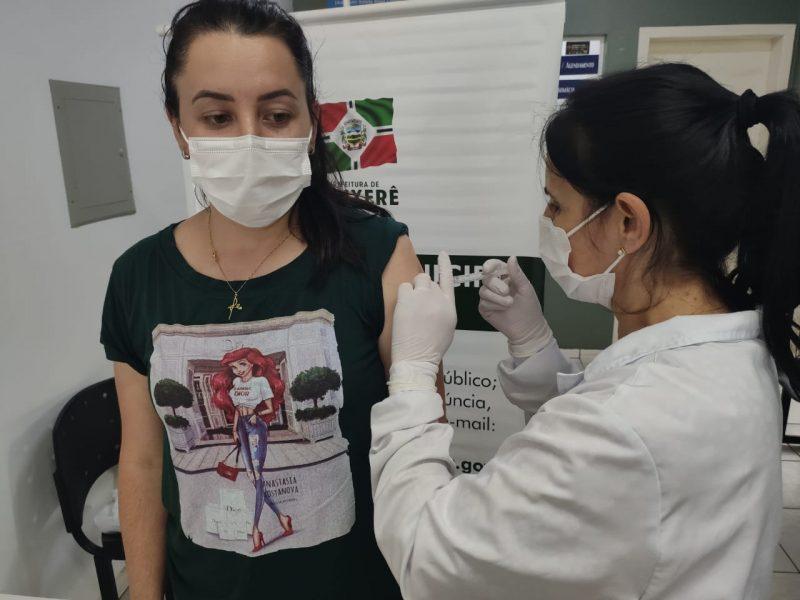 Cadastro para receber a dose da vacina deve ser feito pelo site da prefeitura – Foto: Prefeitura de Xanxerê/Divulgação/ND