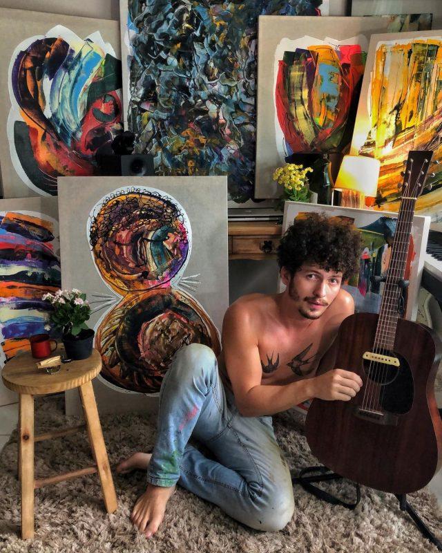 Cantor brusquense atua profissionalmente há quatro anos – Foto: Reprodução Instagram/ND