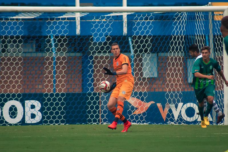 Goleiro Vitor Caetano segue afastado por dopping – Foto: Patrick Floriani/FFC/divulgação