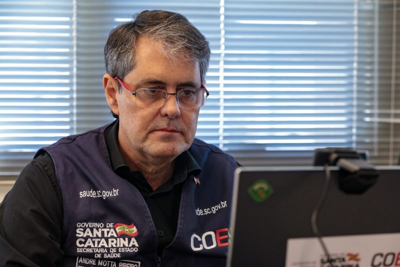 Secretário de Estado da Saúde, André Motta Ribeiro – Foto: Foto: Mauricio Vieira / Secom/ND