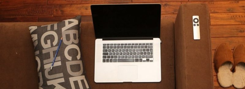 """""""Qual notebook, bom e barato, comprar?"""" - Imagem de LEEROY Agency por Pixabay"""