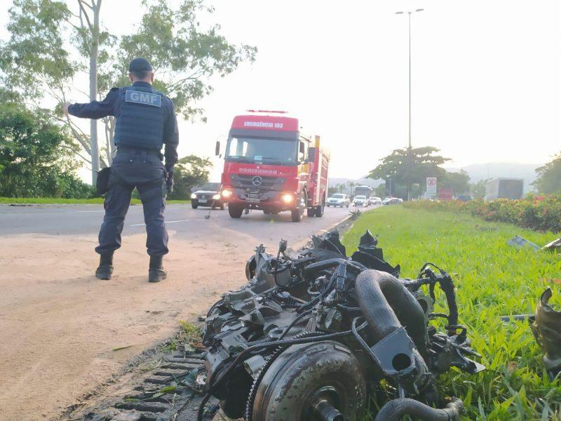Acidente de trânsito na avenida Beira-Mar Norte – Foto: Guarda Municipal/Divulgação/ND