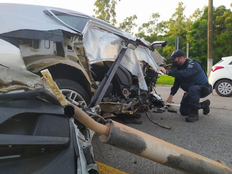 O motorista foi socorrido em estado estável, com suspeita de fratura, e encaminhado ao hospital – Foto: GMF/Divulgação/ND