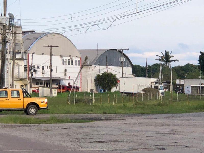 Imunizantes chegam a Florianópolis por volta das 8h20 desta quarta-feira (17)
