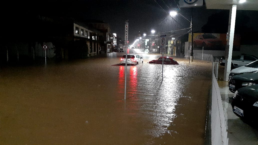 Chuva ocorreu no fim da tarde desta terça-feira (2) - Jmais