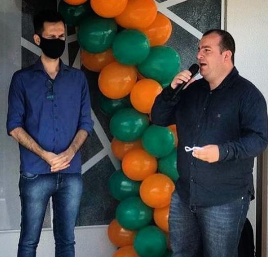 O prefeito Arão Josino decretou luto oficial pela morte de Juninho (à direita) – Foto: Divulgação/ND