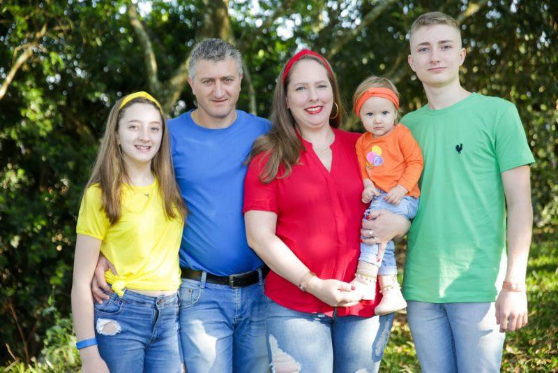 Irno e Caroline já tem outros três filhos: Gustavo, Giovana e Ana Lívia. – Foto: Arquivo Pessoal/ND