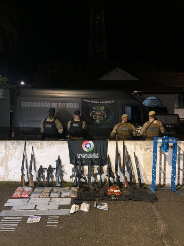 As armas foram encontrados no interior de Garuva – Foto: Bope/Divulgação