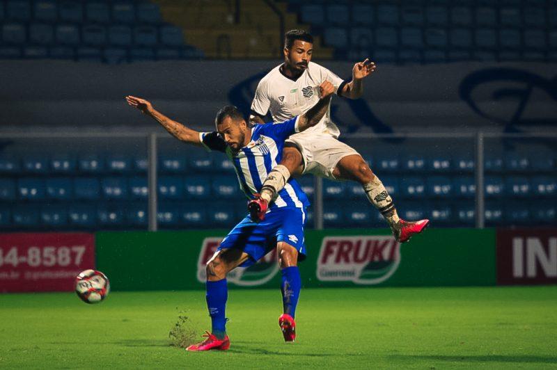 Melhor em campo, o Leão dominou as ações teve várias chances de sair na frente do marcador ainda na primeira etapa – Foto: Patrick Floriani/FFC