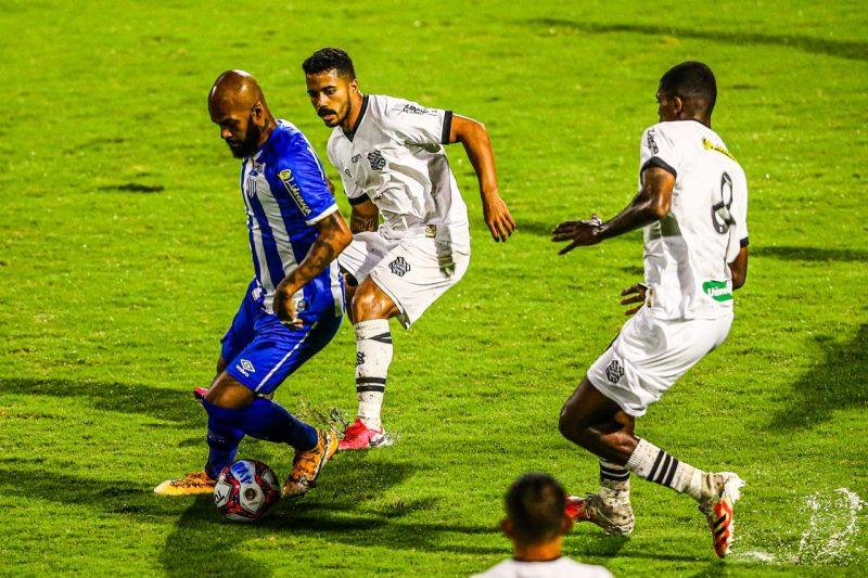 Volante Bruno Silva teve boa atuação jogando mais recuado – Foto: Cristiano Andujar/Andujar Press