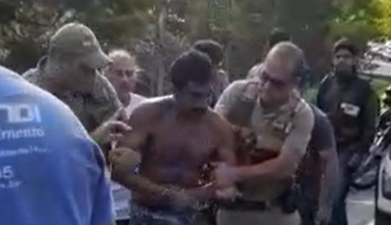 Caminhoneiro foi preso após arrastar moto por 32 km – Foto: Reprodução/ND