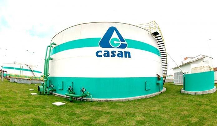 Símbolo da Casan em uma estrutura da empresa