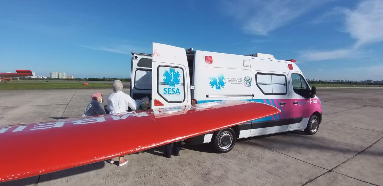O paciente de 67 anos chegou a Vitória (ES), na tarde desta quinta-feira (4). - CBMSC/Divulgação/ND