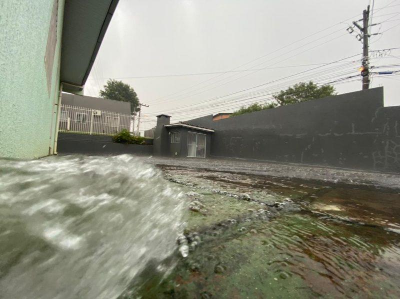 Já em Chapecó, no Oeste do Estado, o temporal começou por volta das 16h – Foto: Willian Ricardo/ND