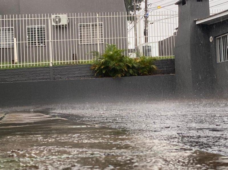 Foi registrado um alto volume de chuva em curto espaço de tempo no Oeste catarinense – Foto: Willian Ricardo/ND