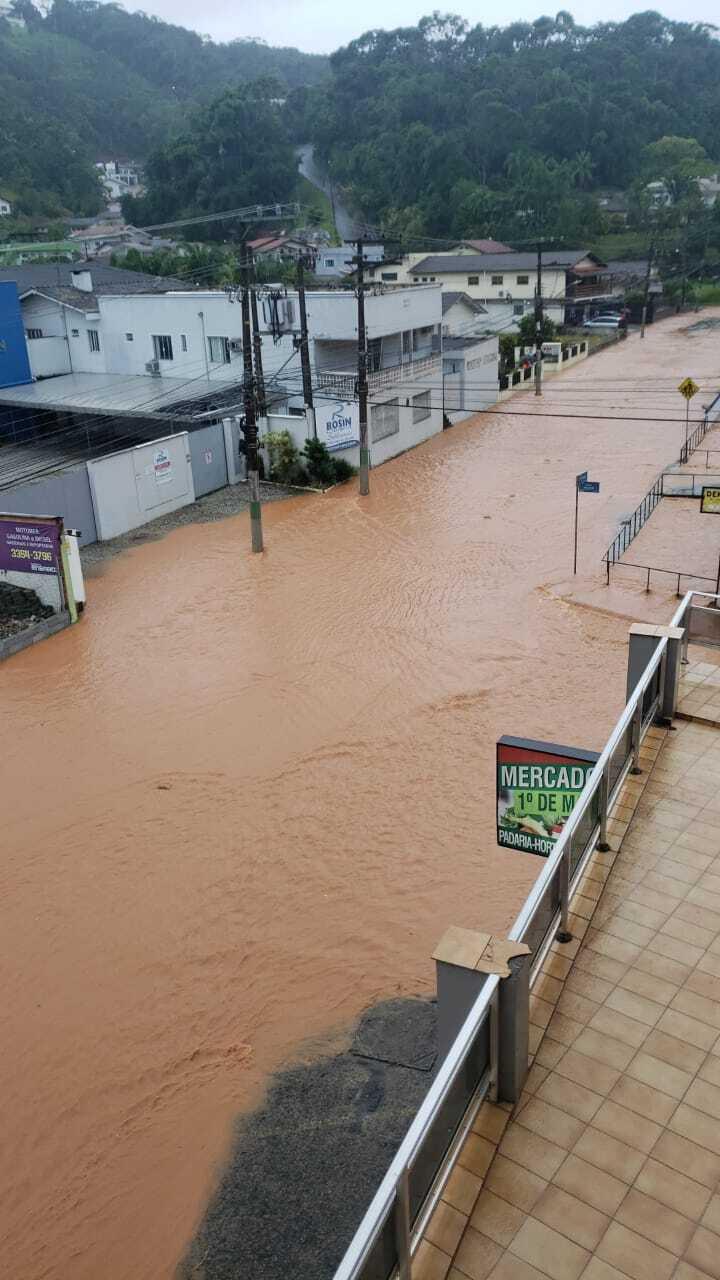 Defesa Civil de Brusque segue monitorando os pontos de alagamentos na cidade - Secom Brusque/Divulgação