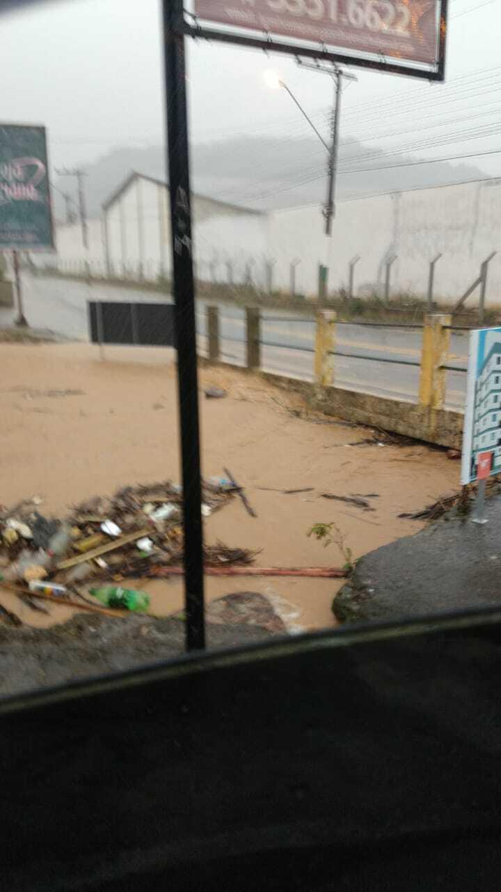 Seis casas foram invadidas pela água da chuva em Brusque - Secom Brusque/Divulgação