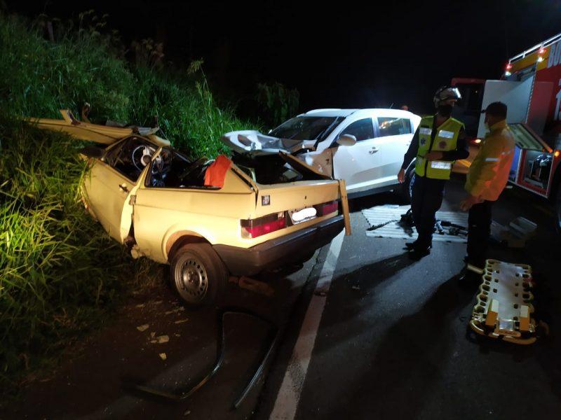 Veículos foram destruídos com o impacto do acidente – Foto: Corpo de Bombeiros/ND