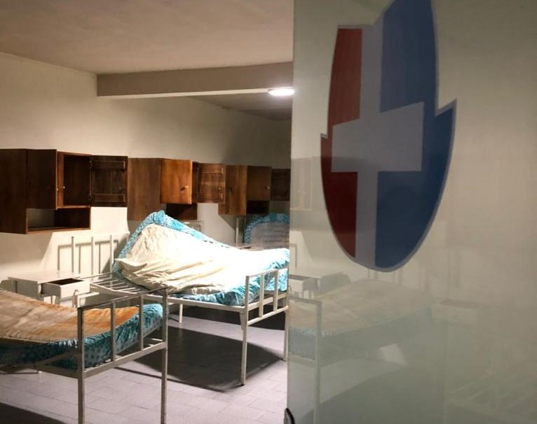 Estrutura do hospital é precária em Irani