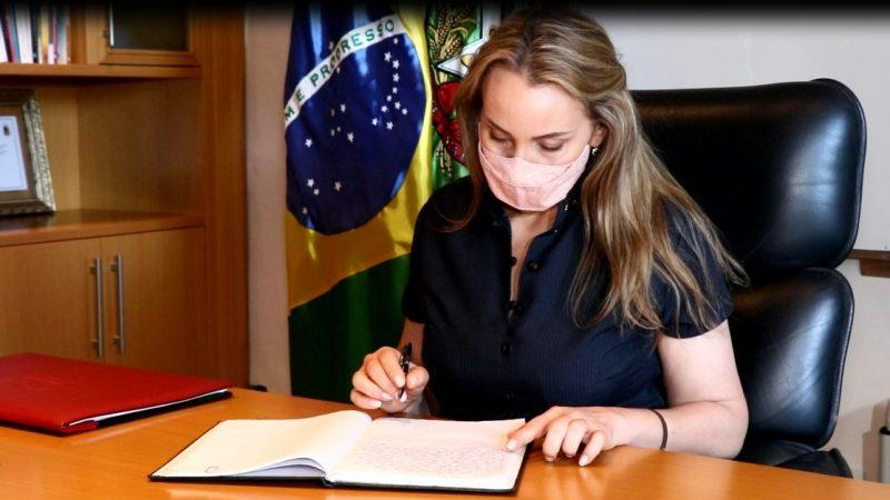 Daniela Reinehr tomou posse como governadora interina – Foto: Divulgação/ND
