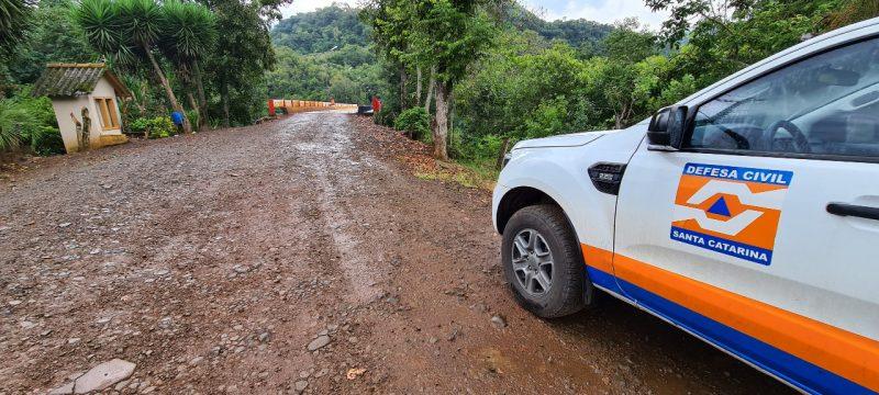 Após vistoria, coordenador da Defesa Civil solicitou um engenheiro especialista – Foto: Defesa Civil/Divulgação