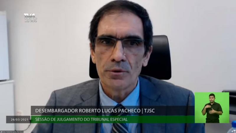 Desembargador Lucas Pacheco votou pelo impeachment – Foto: TV Alesc/Reprodução