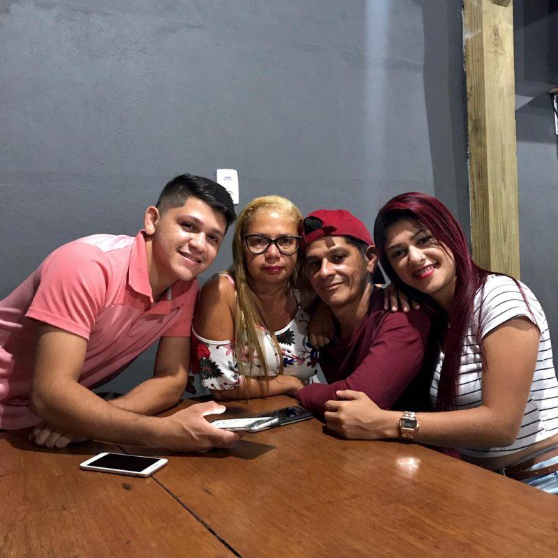 Fábio Ferreira tinha acabado de completar 45 anos ao lado da esposa e dos filhos – Foto: Arquivo pessoal/ND