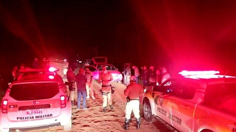 Festa clandestina foi encerrada pela polícia em Lebon Régis – Foto: PMRv/Divulgação
