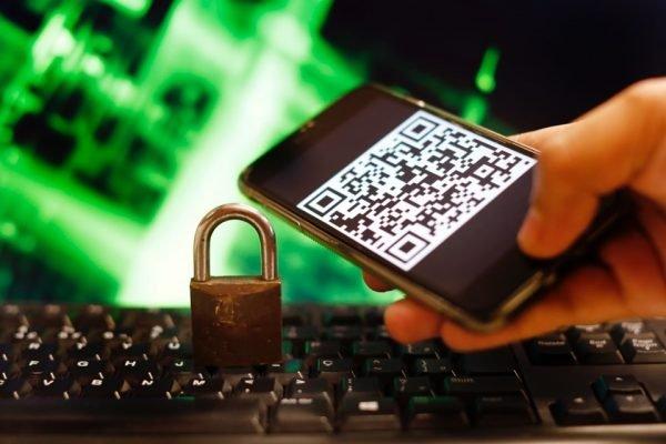 Criminosos fingem que vão passar um código de confirmação por SMS e pedem o número – Foto: Igo Estrela/Metrópoles/Divulgação/ND