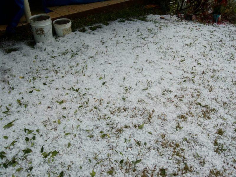 Chuva de granizo foi registrada em Seara na tarde de quinta-feira (25). – Foto: Belos FM/Internet/Reprodução/ND