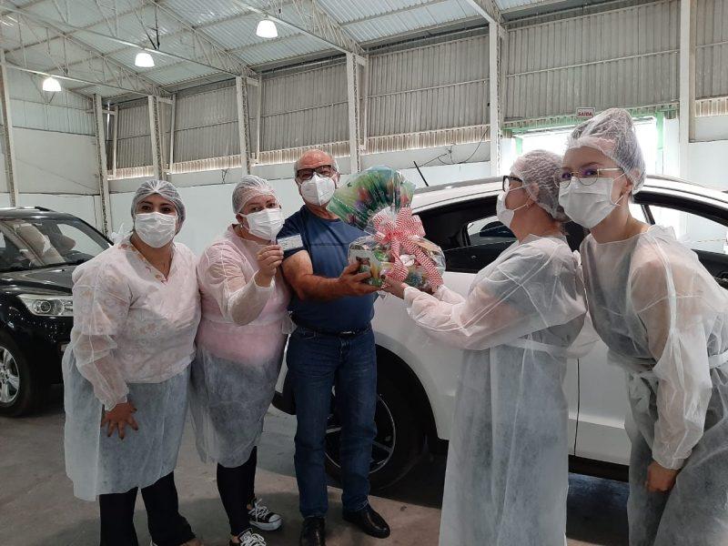 Empresário Geraldo Belatto fez uma homenagem aos profissionais de saúde – Foto: Divulgação/Toninho Vieira/Prefeitura de Lages